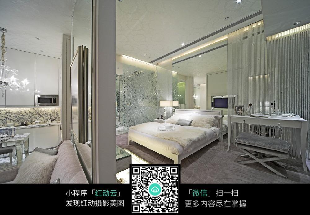白色卧室梦幻装修效果图