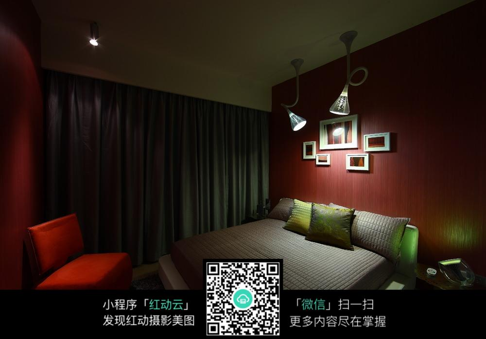创意打灯卧室装修效果图图片