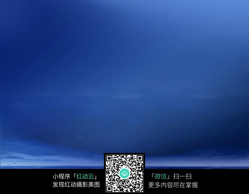 蓝色梦幻水面背景素材
