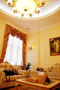 奢华风欧式客厅装修效果图