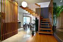 木制楼梯与简洁客厅设计