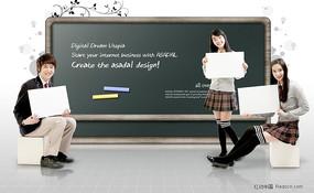 黑板前学生图片素材