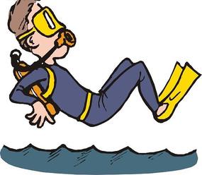 潜水员跳入海水