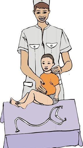 给小孩做身体检查的护士