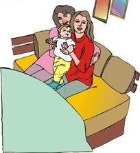 沙发上的两位美女抱着小孩