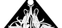 中国古典图案-两个人物和圆形构成的三角形图案