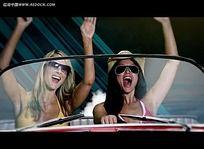 国外开跑车美女视频