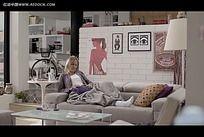 国外室内家居美女视频
